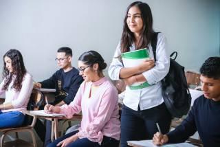 Чем помогает высшее образование?