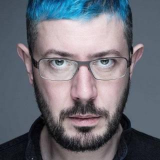 Голубые волосы Артемия Лебедева как часть личного бренда